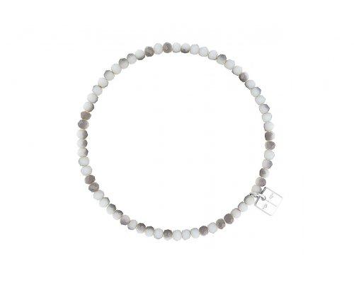 Armband in Weiß und Hellgrau